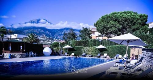 piscina-hotelbouganville-belvedere1